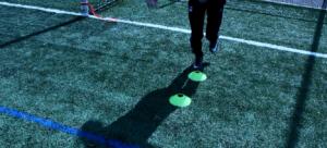 Exercice qui permet de développer la stabilité articulaire du genou.